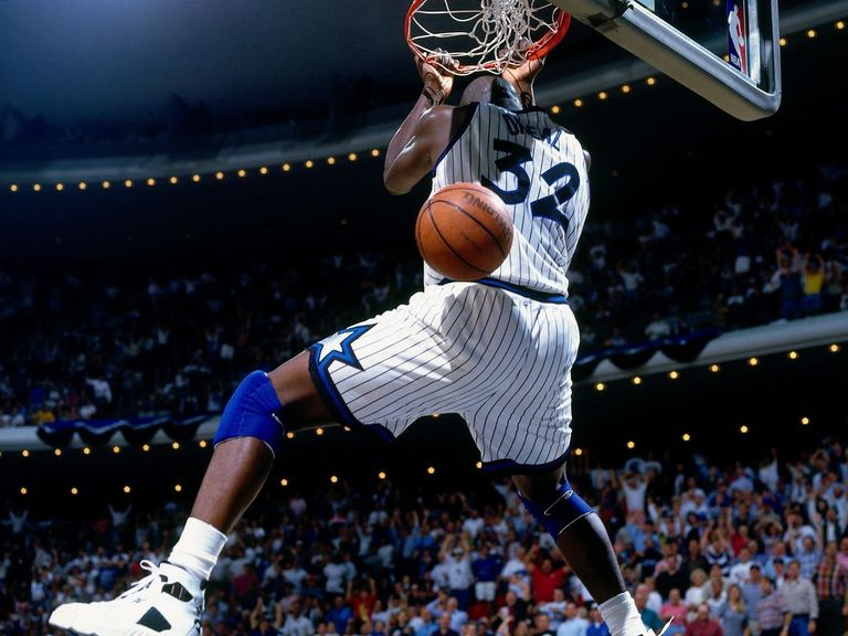 Video Remember The Time Shaq Destroyed A Basketball Net Thescore Com