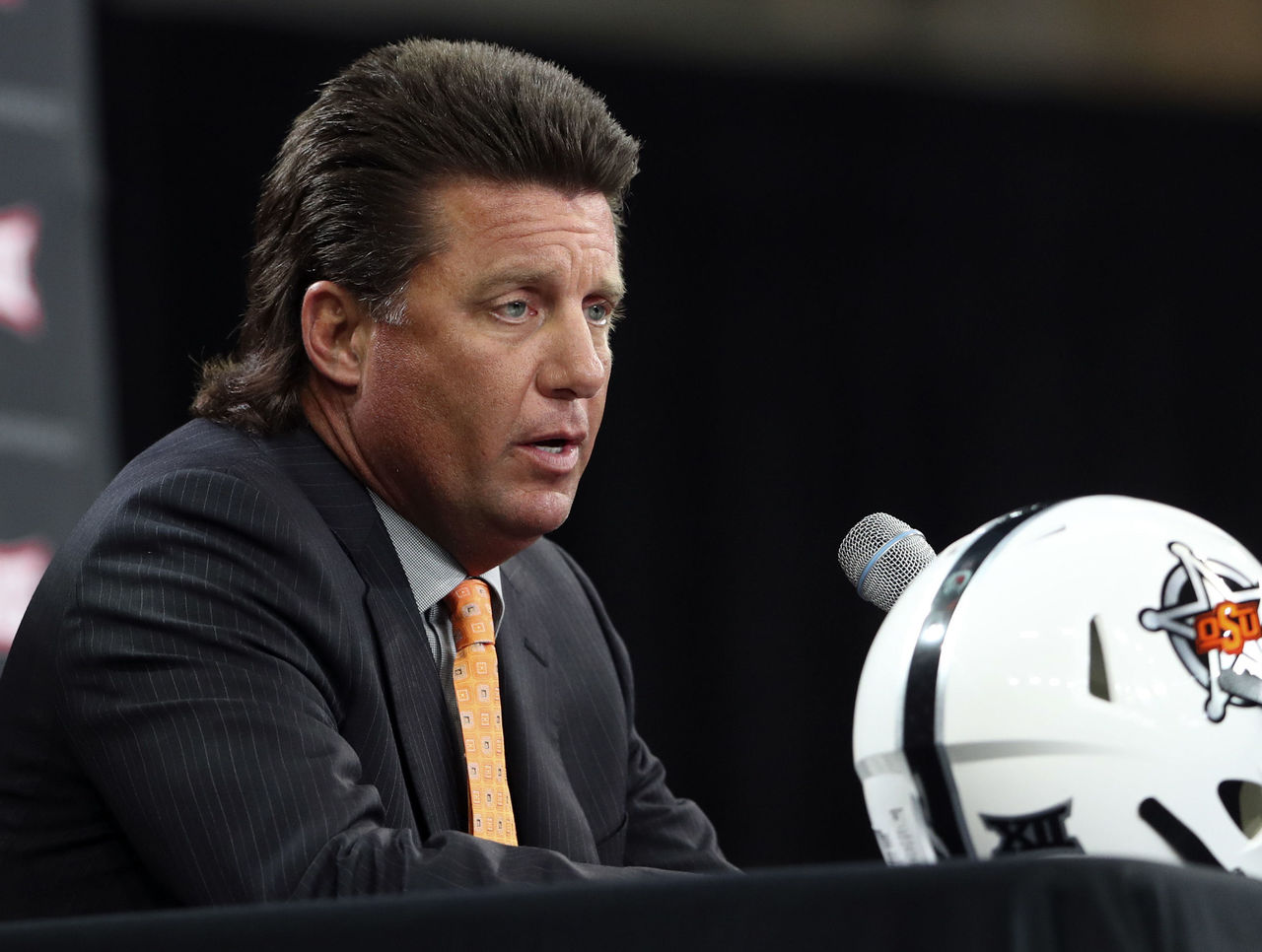 Gundy Believes Trademark Mullet Has Earned Oklahoma State Millions Thescore Com