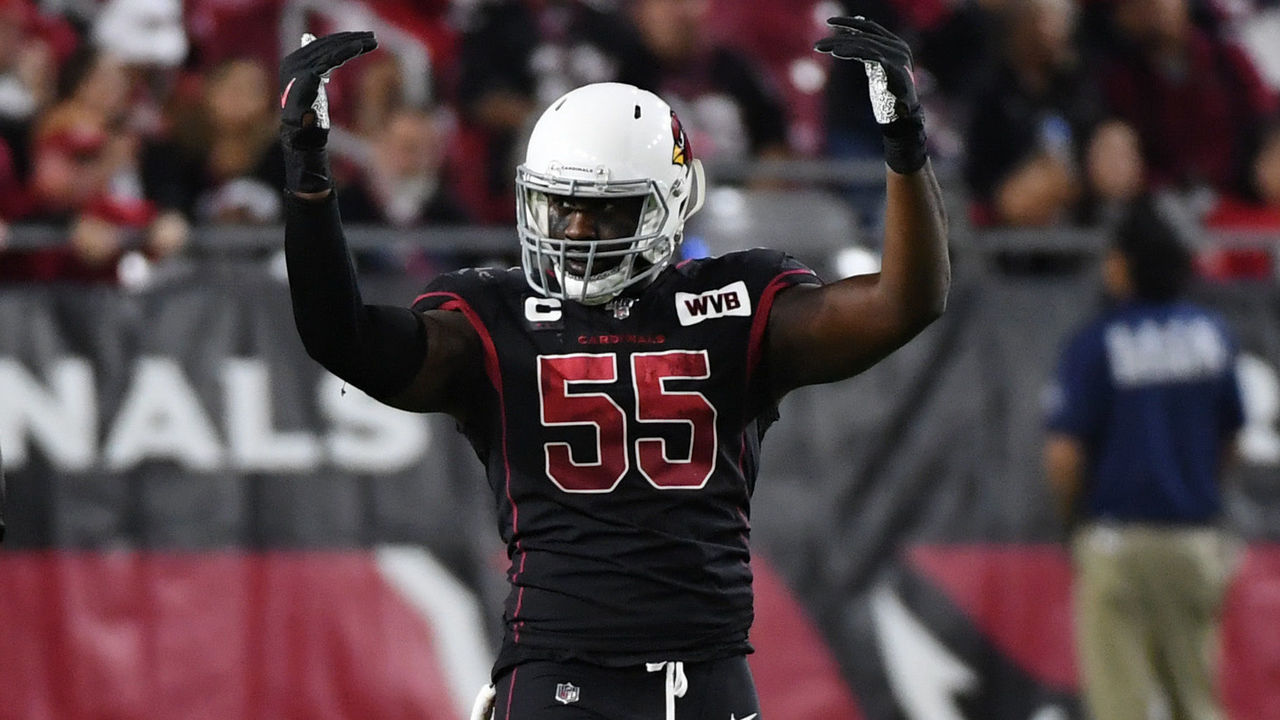 GLENDALE, ARIZONA - OCTOBER 31: Chandler Jones #55 of the Arizona Cardinals reacts after making a tackle against the San Francisco 49ers at State Farm Stadium on October 31, 2019 in Glendale, Arizona.