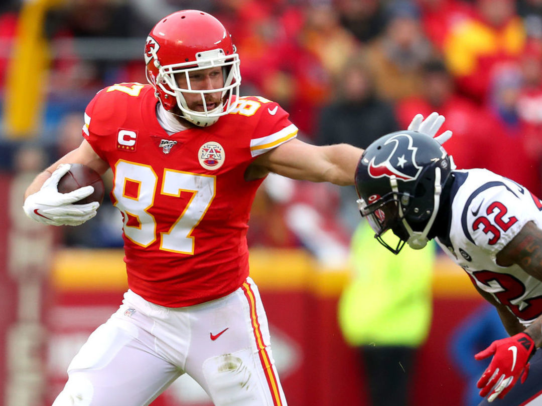 Report: Chiefs, Kelce agree to 4-year extension worth $57.25M