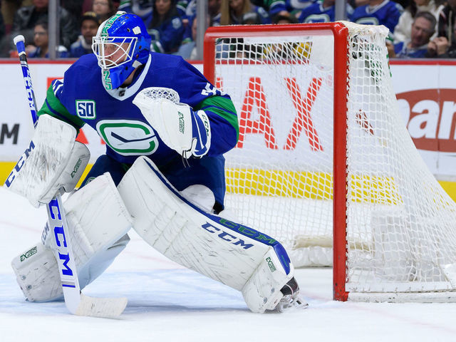 Markstrom Could Miss 3 4 Weeks With Lower Body Injury Thescore Com