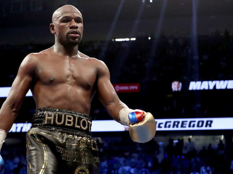 Report: Mayweather to judge celebrity charity boxing match
