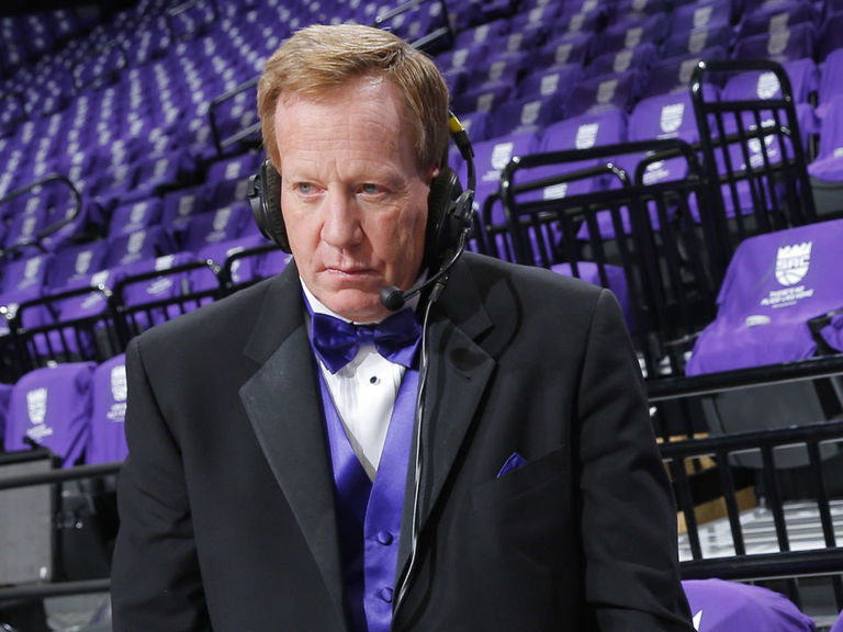 Longtime Kings announcer Napear resigns after 'all lives matter' tweet