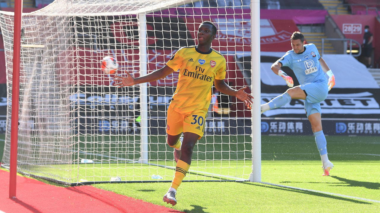 Arsenal win at Southampton to end troubled spell   theScore.com