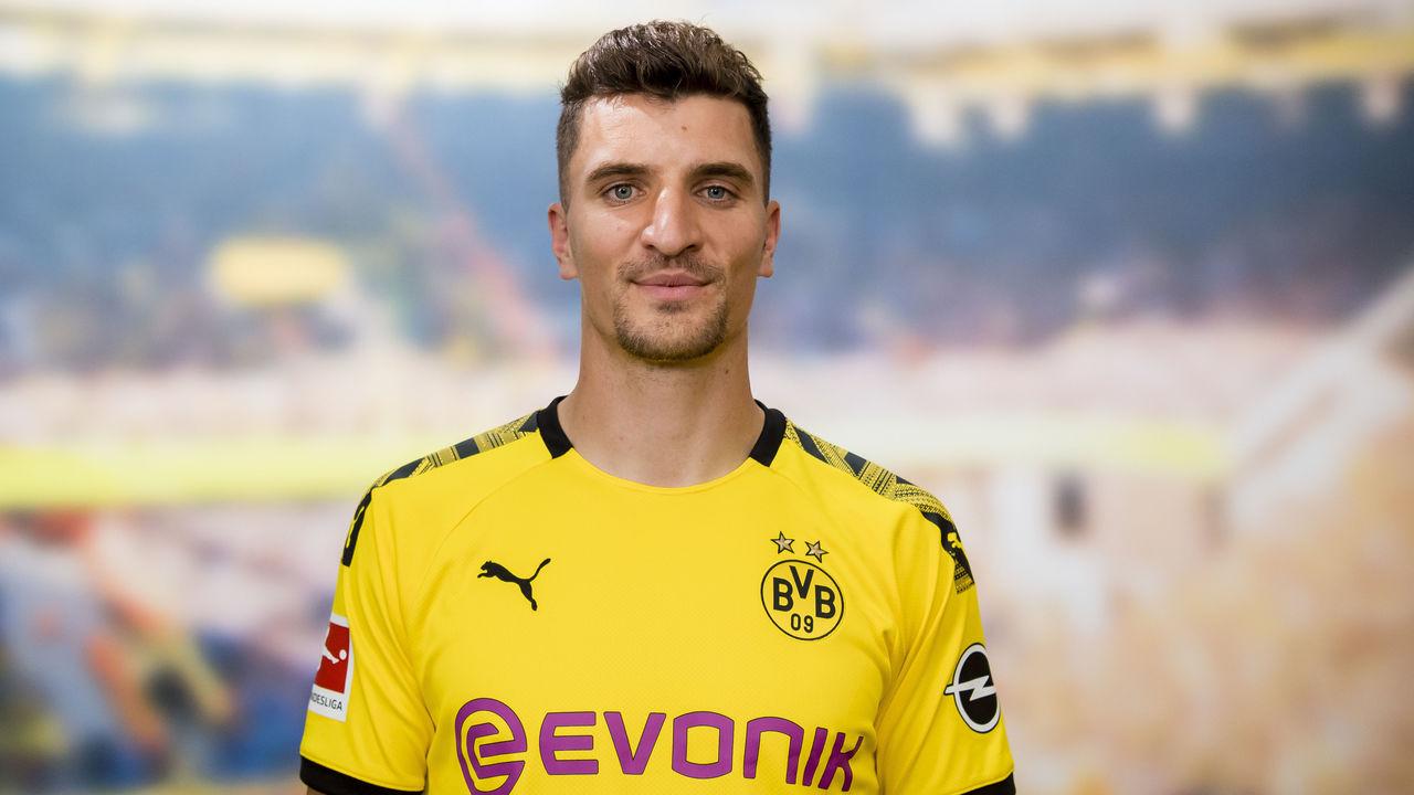 Dortmund's Meunier slams PSG over Champions League omission ...
