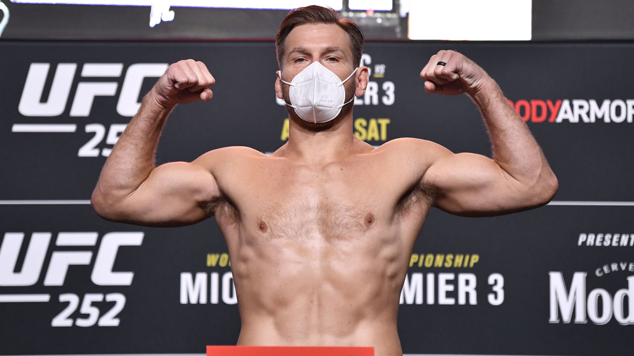 Ufc 252 Weigh In Results Miocic Cormier Cleared For Title Fight Thescore Com