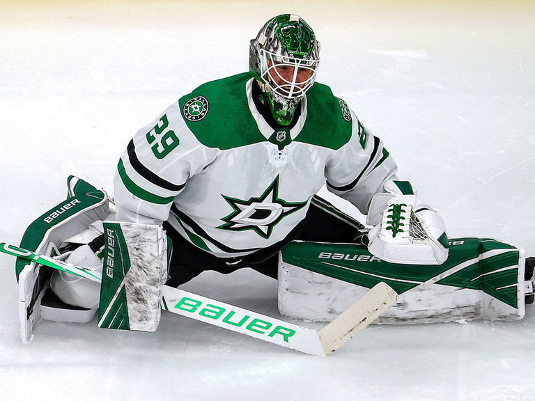 Oettinger makes NHL debut, replaces Khudobin in Game 2