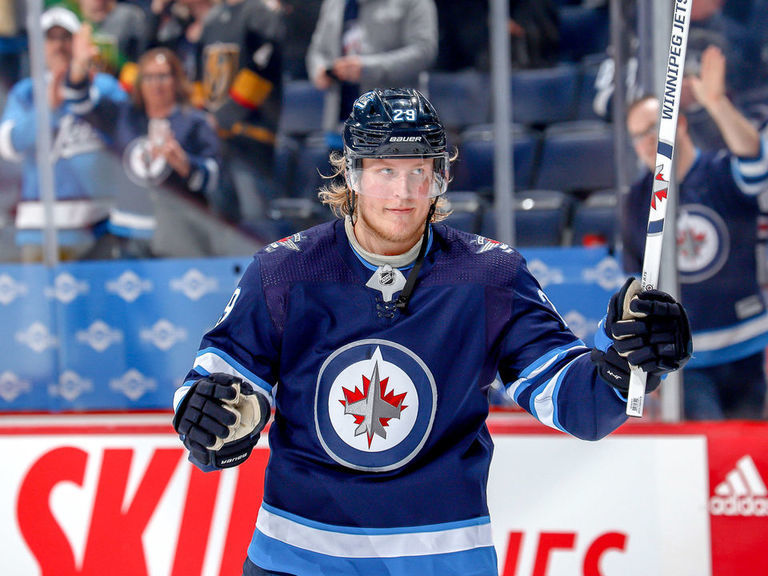 Report Jets Serious About Potential Laine Trade Thescore Com