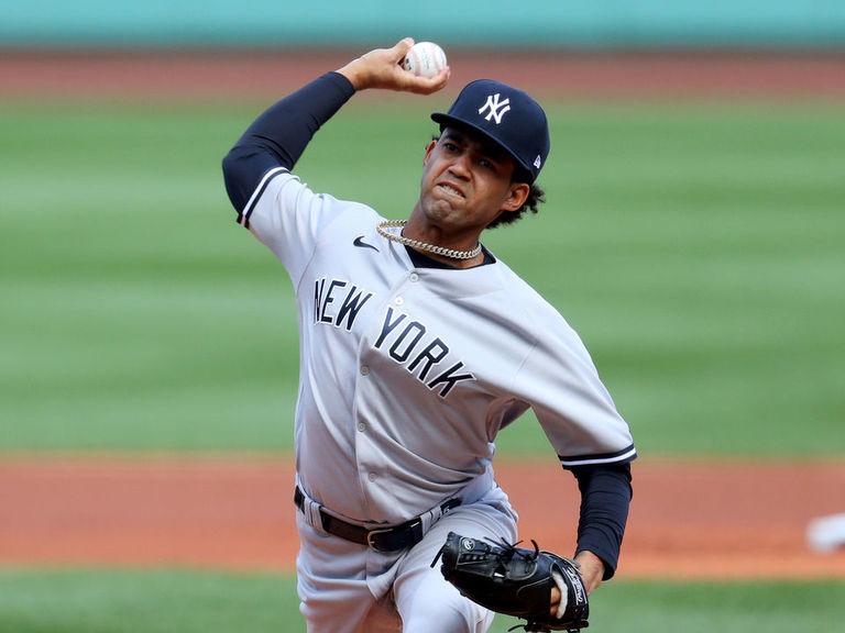 Yankees option Deivi Garcia to minors