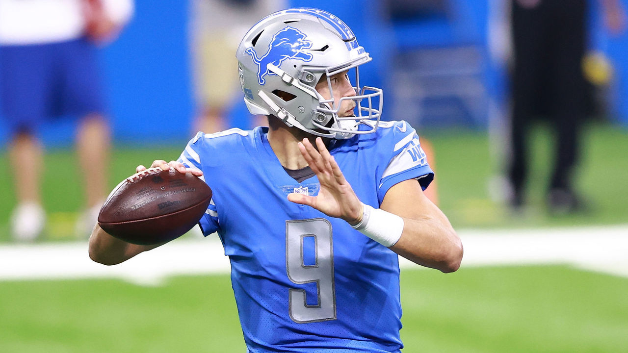 DETROIT, MI - SEPTEMBER 13: Matthew Stafford #9 of the Detroit Lions drops back to pass during the first quarter of the game against the Chicago Bears at Ford Field on September 13, 2020 in Detroit, Michigan.