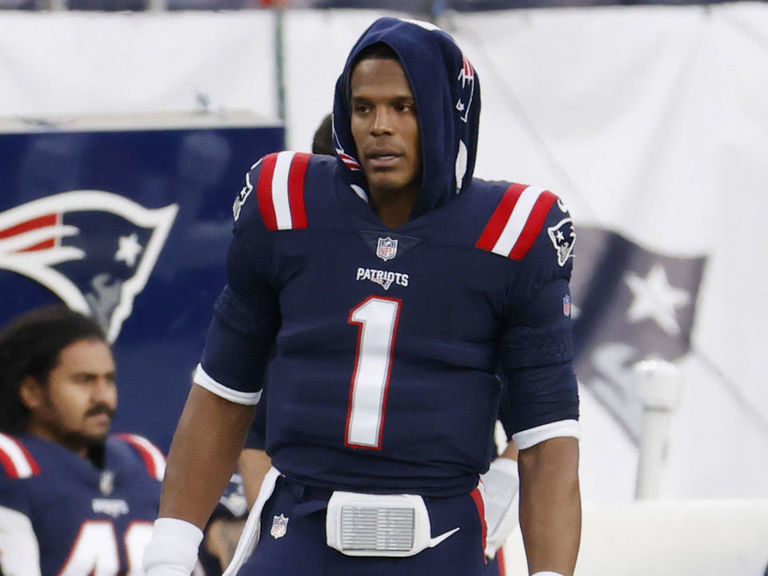 Belichick 'absolutely' sticking with Newton at QB despite benching vs. 49ers
