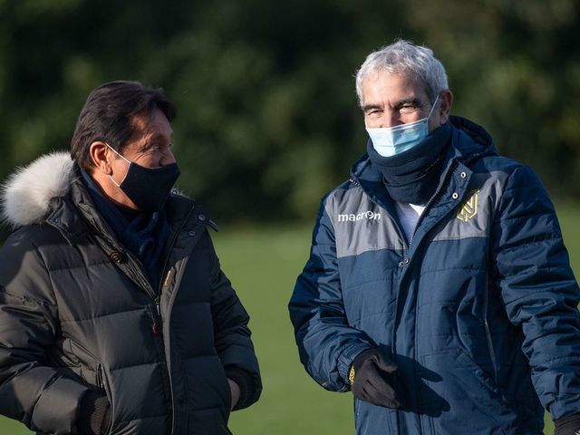 Ex France Coach Domenech Gets Clown S Welcome At Nantes Thescore Com