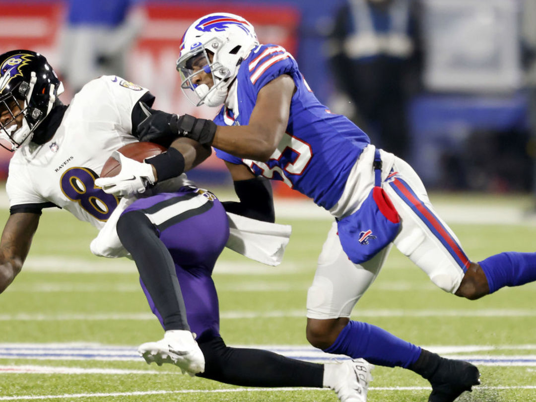 Lamar suffers concussion in 2nd half of loss to Bills