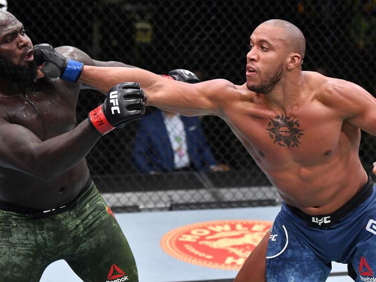 Gane cruises to win over Rozenstruik in dull UFC main event